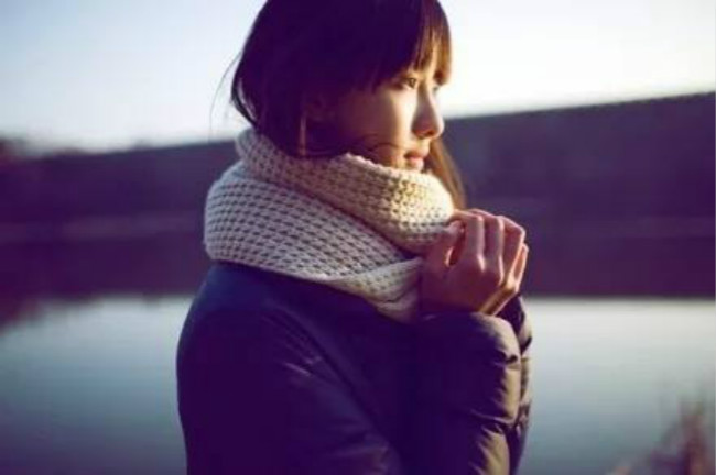 孤单又灿烂的神 — 陈都灵