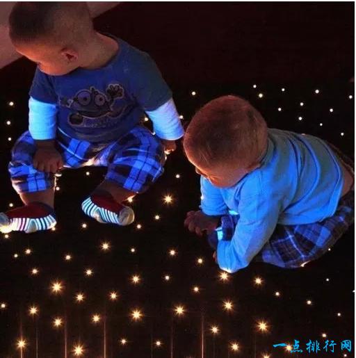 由PMMA设计的明星地毯