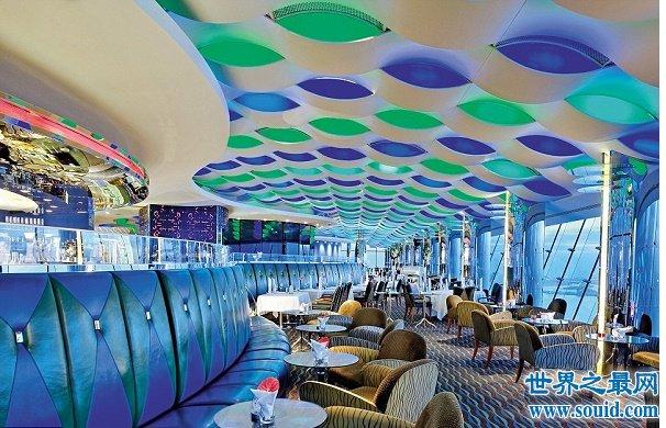 迪拜帆船酒店住一晚费用的是130000元,入住酒店