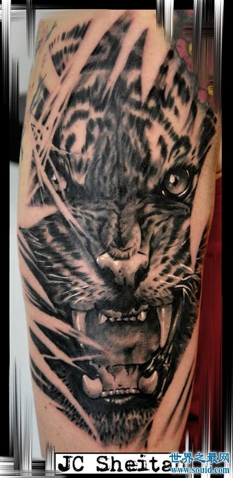 世界上首支假肢纹身枪臂,纹身师享受灵肉合一