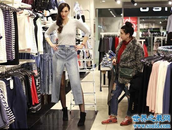 世界最长腿小姐,俄罗斯大长腿美女(腿长133CM)