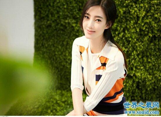 素颜女神王丽坤年龄造假 林更新称年龄不会影响两人的爱情