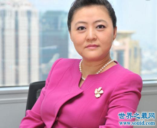 被奶茶妹妹称呼为少爷,刘强东儿子与继母关系如此奇妙