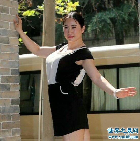 芙蓉姐姐婚礼上大抢新娘风光,被网友吐槽滚出娱乐界