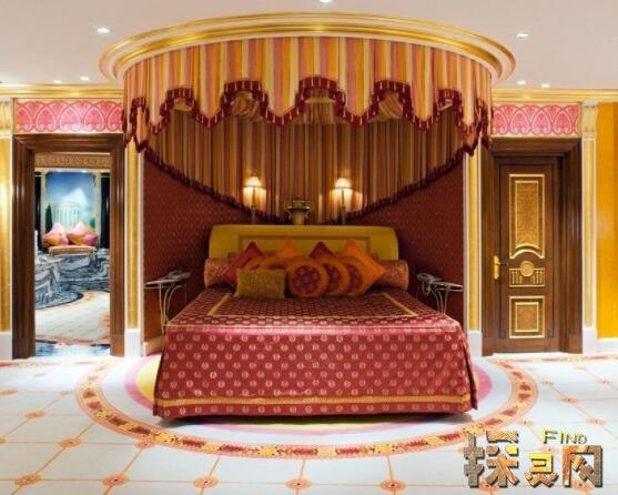 世界上最豪华的酒店,迪拜帆船酒店每处都触目皆金