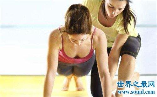 丰胸运动有哪些 健身教练支招最有效的运动丰胸
