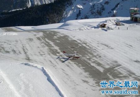 世界最危险机场体验一把,飞机离你三米不到你怕不怕