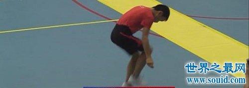 跳绳世界纪录 一分钟可以跳332下超越人类极限
