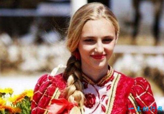 世界上最白的人种高加索人,中国的塔吉克族也在内