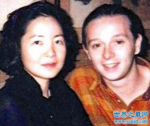 揭秘邓丽君怎么死的,死亡照片竟曝光被20岁小男友家暴
