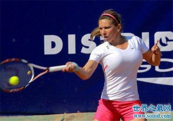 西蒙娜·哈勒普为网球进行缩胸手术 最后终于拿到第一