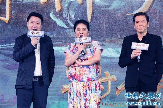 向华强在香港娱乐圈只手遮天 竟然还让成龙下跪