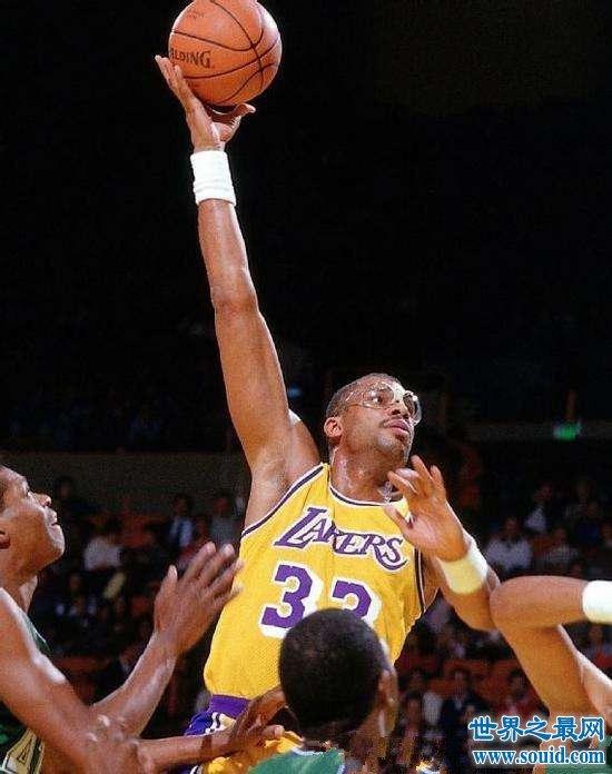 近代人气最高的十位篮球球星 有没有你心里的男神
