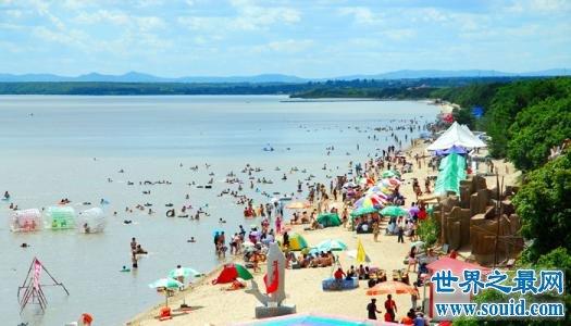 历史上中国最大淡水湖 比西湖大600倍的旅游胜地