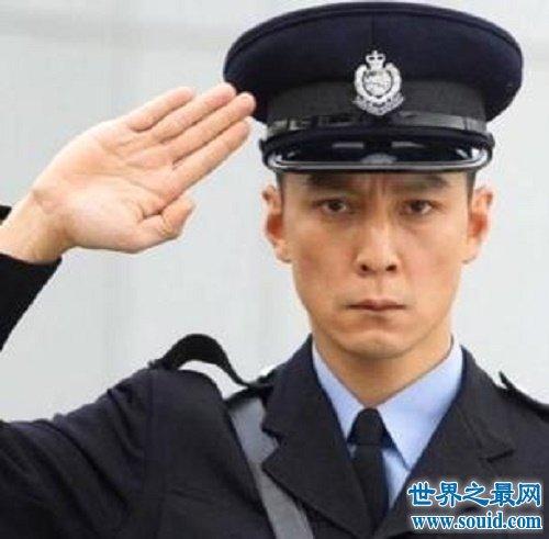 中国最帅的男生,有着不俗的文化背景和优秀的长相