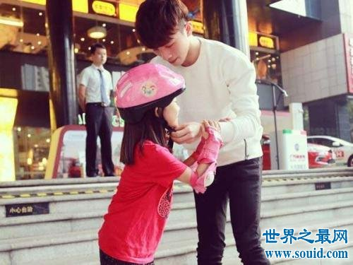 18岁最萌年龄差兄妹,最好哥哥吴大伟在网络走红