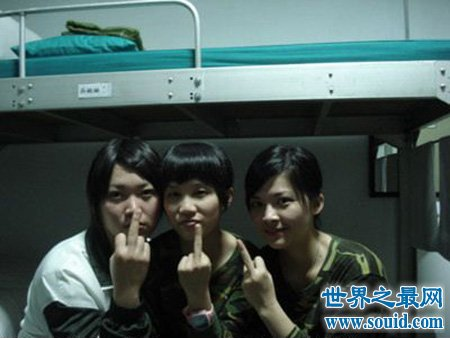 当时震惊官方的台湾女兵不雅照到底是怎么一回事